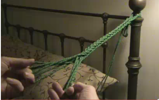 How to Do a 3-2 Finger Loop Square Braid